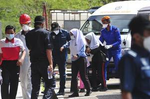 malaysia: schools closed after hundreds poisoned by toxic waste dumped in river