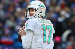 End of the road: Dolphins trade QB Ryan Tannehill to Titans for picks