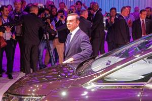 renault pushes back decision over ghosn's 2018 pay
