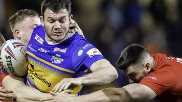super league: leeds rhinos 16-18 london broncos