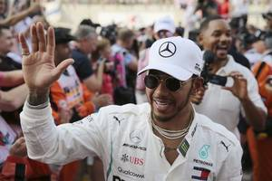 record lap gives hamilton 6th straight pole at australian gp