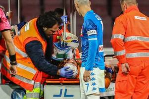 David Ospina collapses during Napoli match as on-loan Arsenal keeper rushed to hospital