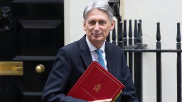 brexit: 'physically impossible' to leave on 29 march, says chancellor