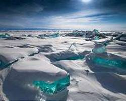 Fuelled by China fears, Russians protest Baikal bottling plant