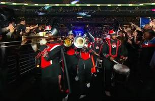 errol spence jr. busts out a marching band for epic ring entrance vs. mikey garcia