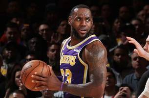 skip bayless on lakers' loss in final seconds to knicks: 'lebron hit rock bottom'