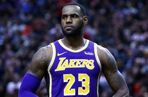 Nick Wright and Cris Carter strongly disagree with Walt Frazier criticizing LeBron James