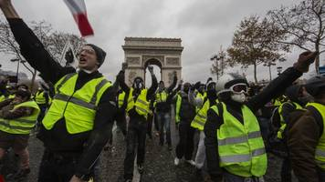 France Bans Some Yellow Vest Protests After Latest Demonstrations