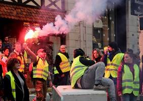 Ban on yellow vest protests in Paris, Bordeaux and Toulouse areas
