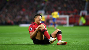 alexis sanchez to be offered escape route from manchester united as juventus eye summer move