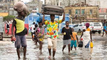 cyclone idai: huge area of mozambique submerged