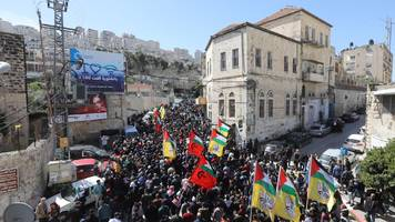 two palestinians killed in clashes in nablus