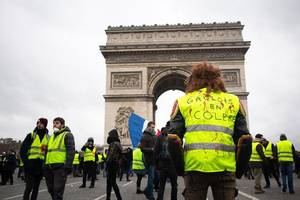 France to deploy soldiers to deal with next protests