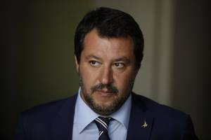italian deputy prime minister saved from migrant kidnapping probe