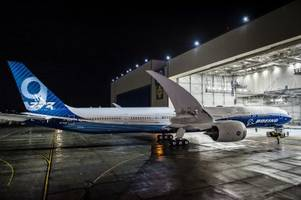 boeing quietly unveiled the $442 million airliner that will replace the 747 jumbo jet (ba)