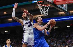 Dirk receives standing ovation in Sacramento, Mavericks fall to Kings