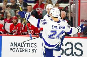 Lightning pull away late in road win over Hurricanes
