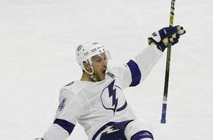 Lightning beat Hurricanes 6-3 for 7th straight victory