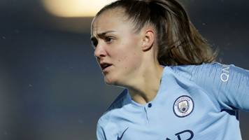 Georgia Stanway: Manchester City Women forward signs deal until 2022