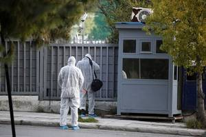 attackers throw explosive at russian consulate in athens