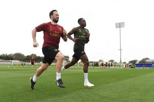 picture special: welbeck returns as unai emery leads first arsenal training session in dubai