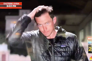 nbc reporter uses his spit and hand to groom his hair during live shot (video)