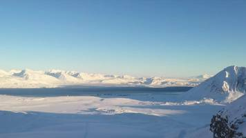climate change: unlocking the secrets of glacial microbes