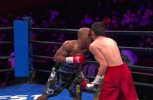 Cobia Breedy defeats Fernando Fuentes thanks to incidental headbutt to the end the fight