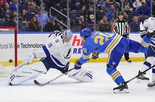 blues win 4-3, sweep season series with nhl-leading lightning