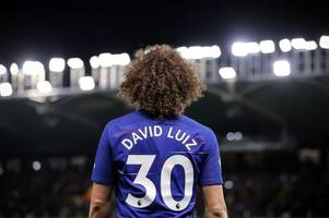 david luiz tells his chelsea team mates what they must do to win the europa league this season