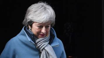 Brexit: May urged to quit to help deal pass