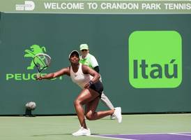 sloane stephens crashes out of the miami open