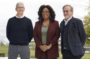 [update] apple launches streaming tv, credit card, gaming services