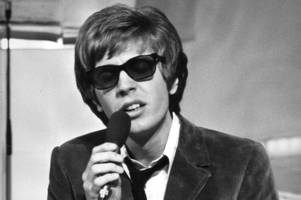 scott walker, singer-songwriter and 60s music icon dies at 76