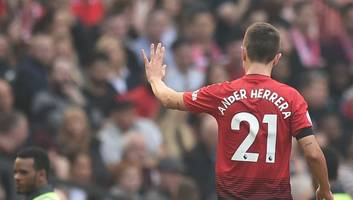 ander herrera given premier league option as arsenal join race for man utd midfielder