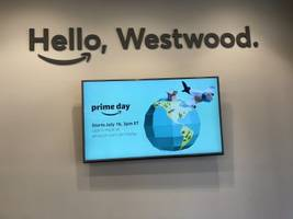 here's what it's like to use an amazon pickup location that's essentially a better version of the post office (amzn)