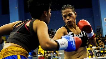 chinese boxer fights depression to be 'queen of the ring'