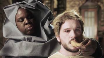 kit harington acts out leslie jones' 'game of thrones' fantasy in snl promo