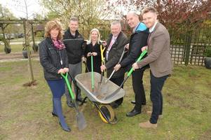 new garden to be built at lindsey lodge hospice after huge british steel donation