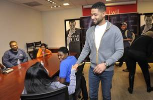 chicago will sue actor jussie smollett after he refuses to pay for police overtime