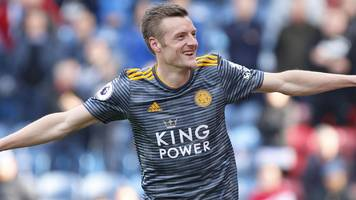 vardy scores twice as leicester ease to win at huddersfield