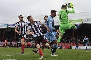 grimsby town 0-2 stevenage result as wait for win continues for mariners in league two