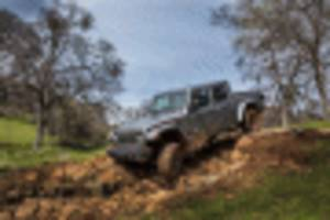 jeep boss says hellcat engine fits in wrangler and gladiator, but there's a problem