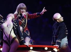 taylor swift donates $113,000 to tennessee lgbtq advocacy group