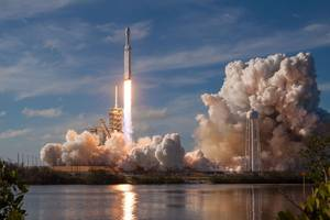 watch spacex's powerful falcon heavy rocket fly its first commercial mission
