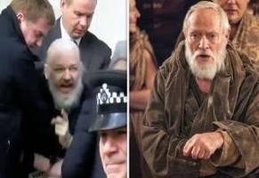 Julian Assange Arrest Memes That'll Make You Say, Why Are They Hurting Santa?