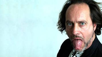 ian cognito: stand-up comedian dies on-stage in bicester