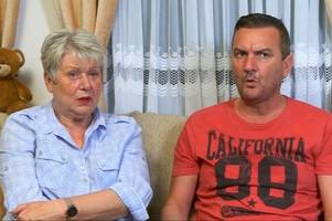 gogglebox star lee has viewers in stitches after jenny shares intimate moment