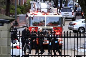 man sets himself on fire outside the white house