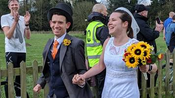 wedding day parkrun for happy couple... and 100 friends